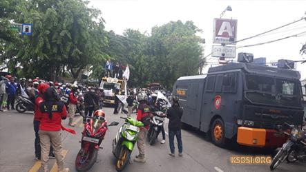 Hendak Demo ke Istana Negara, Buruh di Banten Diblokade Aparat Kepolisian