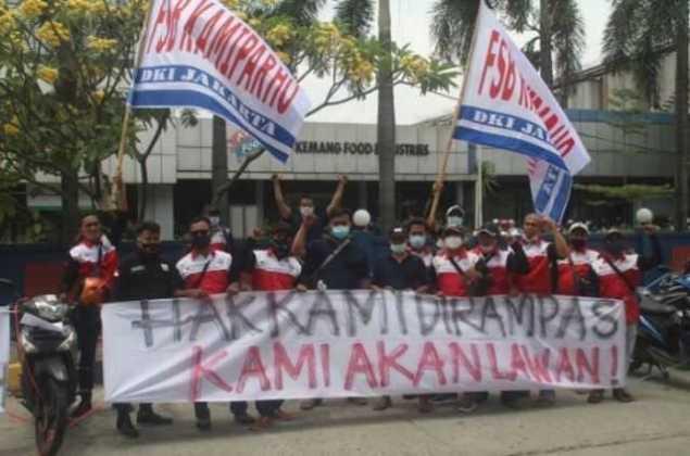 Tak Ada Kesepakatan, Demo Buruh Kamiparho PT Kemfood Lanjut Terus